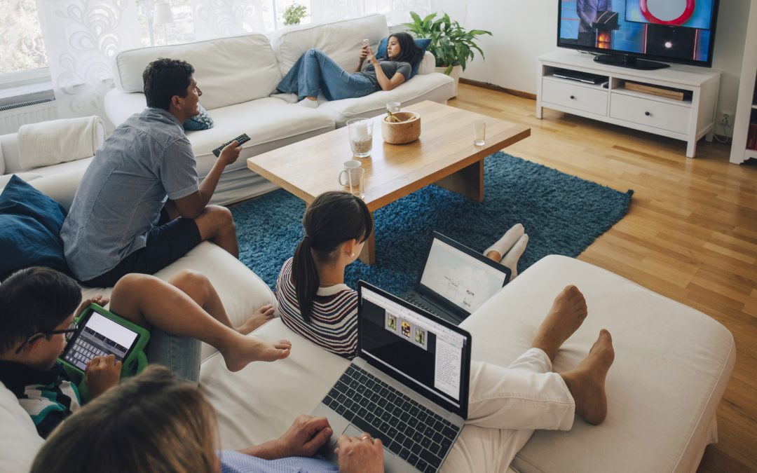 ¿Sabías que +25 millones de hogares con internet consumen contenidos vía Piratería Online?